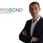 Foto de Eduardo Jáuregui con el logo de IRISBOND