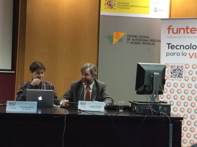 A la izquierda, Enrique Varela y a la derecha Miguel Ángel valero en la mesa inaugural