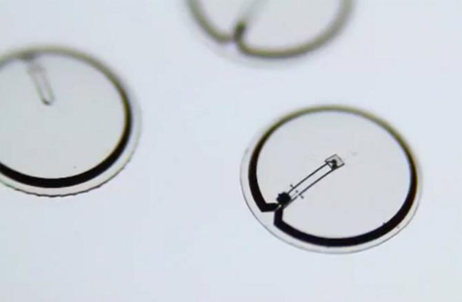 Imagen ilustrativa de las lentes monitor de glucosa